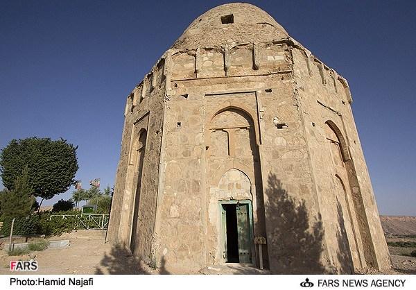 قعه چهل دختران در روستای تاریخی توران پشت